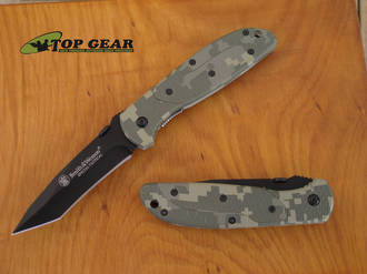 Smith & Wesson Special Tactical Knife, Digital Camo - SPECTC